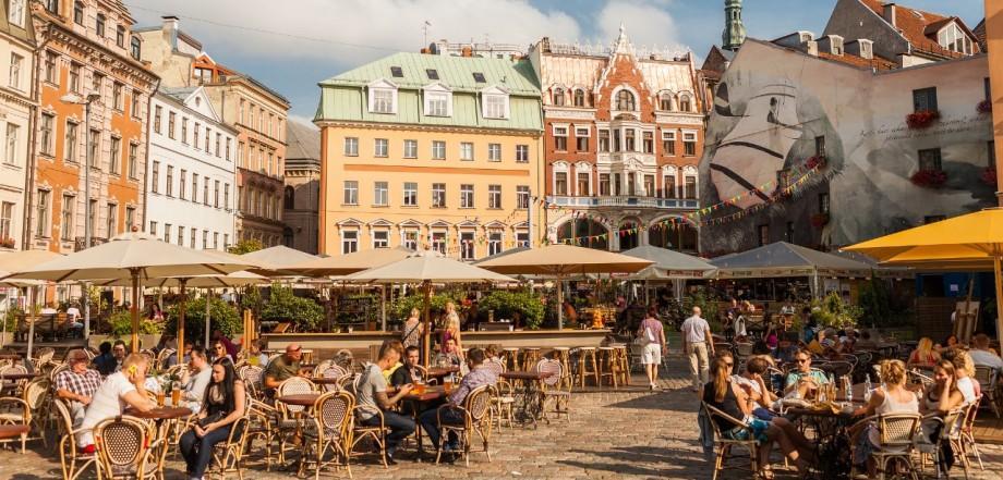 Ești interesat de relații internaționale? Participă la conferința viitorilor lideri în Riga, Letonia