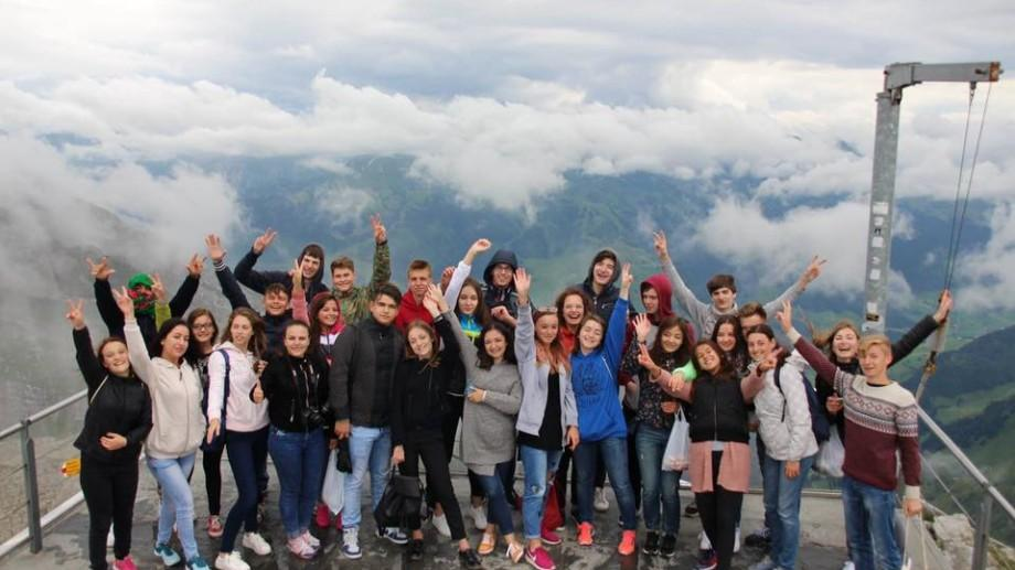 Ești născut între anii 2000 și 2001? Participă la un schimb intercultural în Elveția și petrece 2 săptămâni în țara ciocolatei