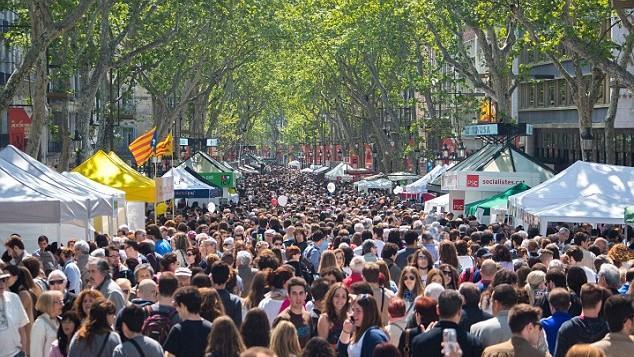 """Marșul împotriva numărului prea mare de turiști. Ce orașe europene au declarat """"război"""" vizitatorilor"""