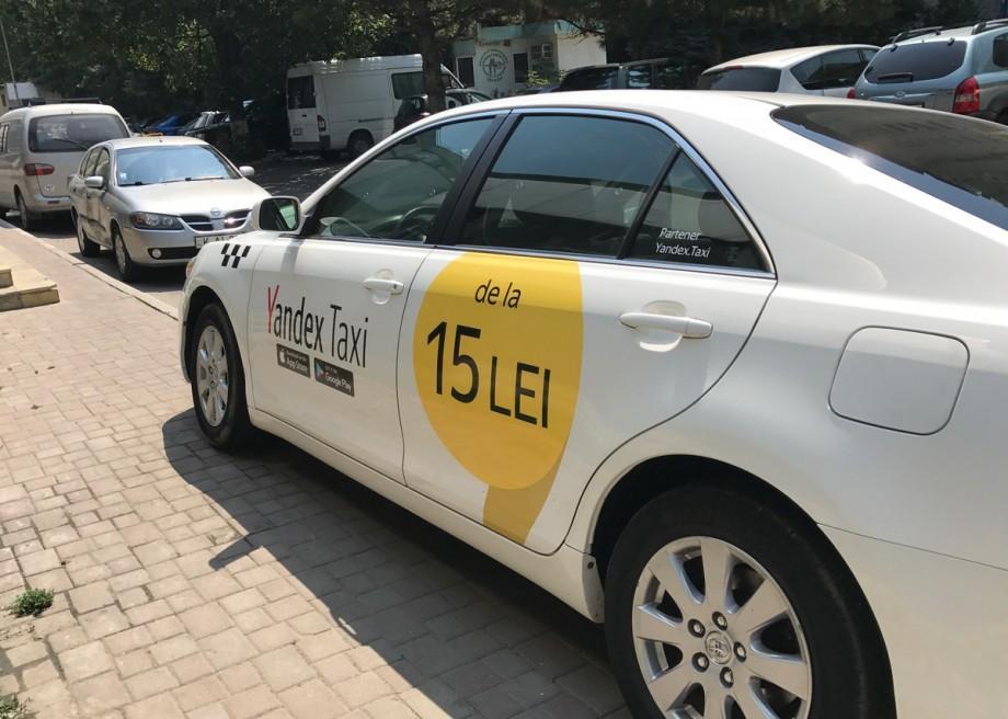 Yandex Taxi a micșorat din nou tarifele pentru călătorii. Cât costă acum o cursă