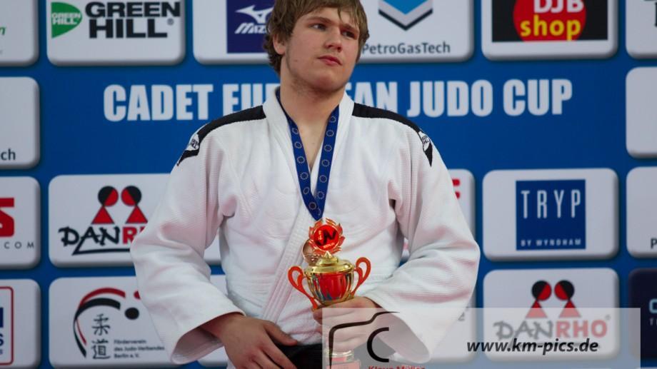 (video) Flori și aplauze pentru campion! Cum a fost întâmpinat judocanul Eugen Matveiciuc la sosirea din Chile