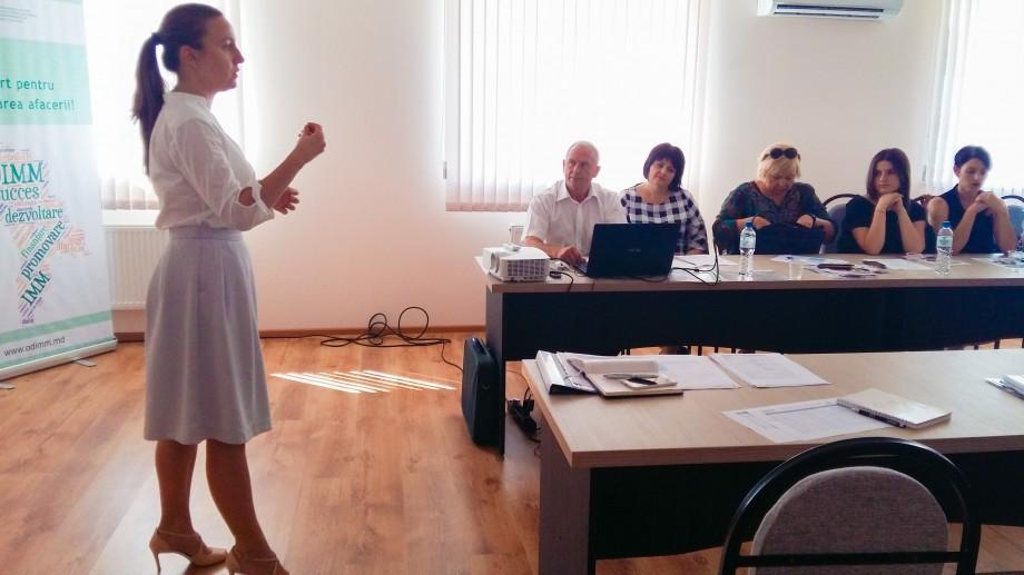 """""""Femei în Afaceri""""  – 27 de femei din sudul Republicii Moldova sunt instruite pentru a-și deschide propria afacere"""