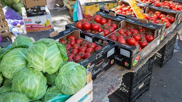 Legumele și fructele, mai scumpe decât acum o săptămână. Cu câți bani să te pornești la piață în această perioadă a sezonului