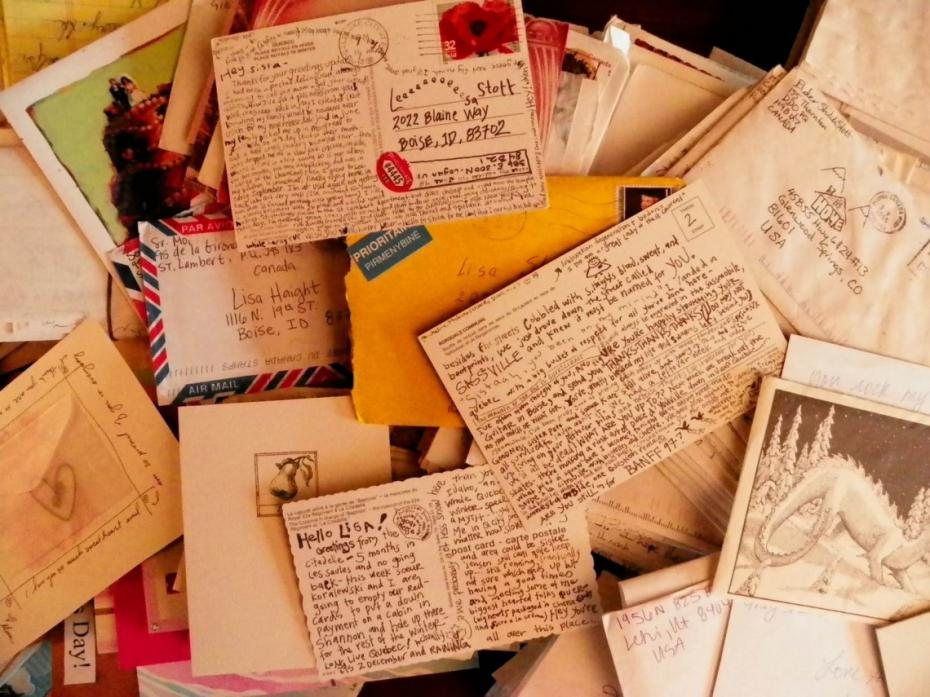 """(foto, video) """"Dragă criminal…"""" Poliția europeană are o nouă metodă de a găsi infractorii. Ei vor primi cărți poștale cu mesaje drăguțe"""