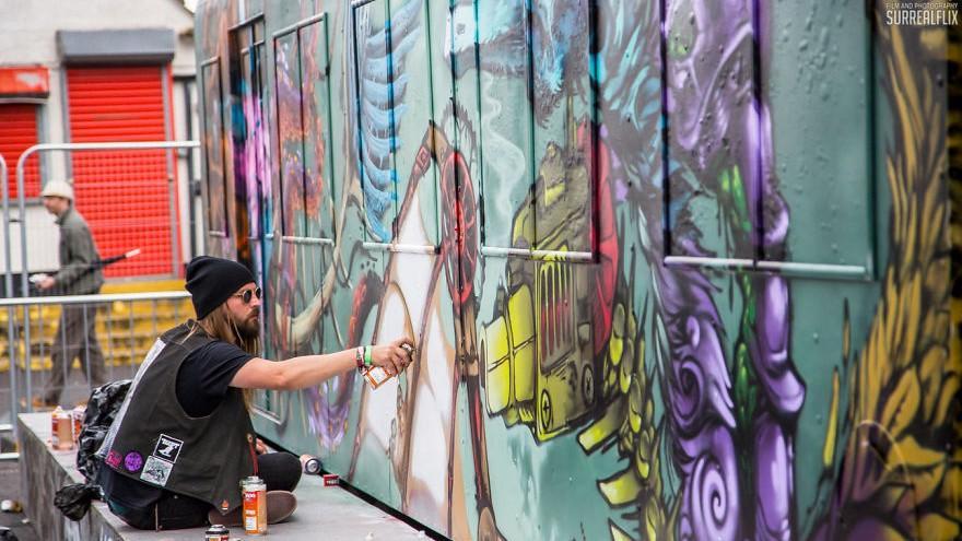 (foto, video) La Bristol a avut loc cel mai mare festival de artă urbană din Europa. Picturile se întind la sute de metri