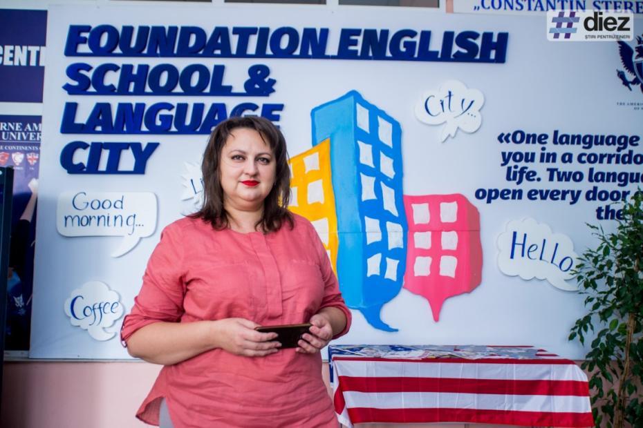 Vorbește fluent șase limbi. Evelina Gorobeț, tânăra care își administrează propriile centre de studii