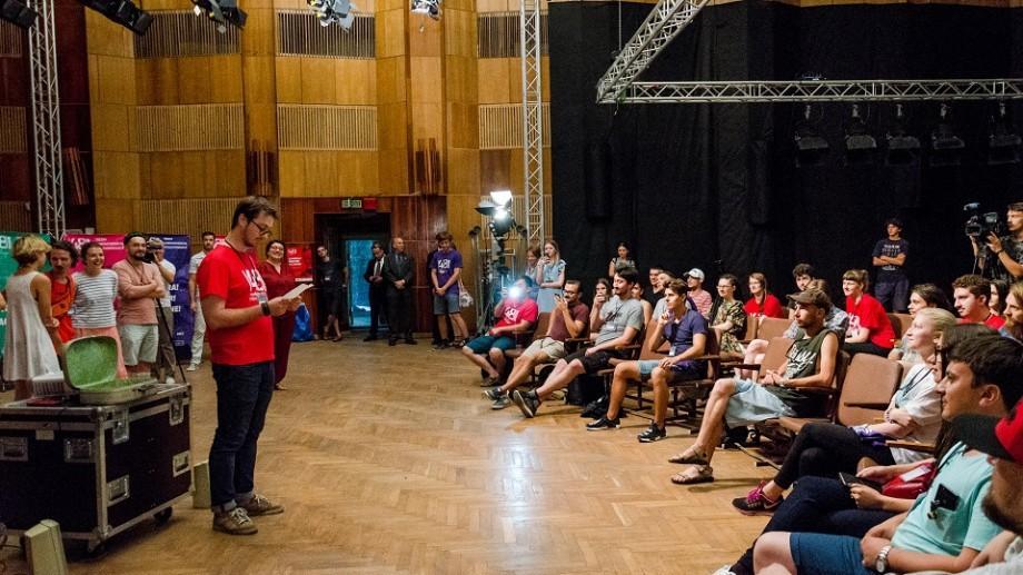 A fost dat startul 48h Moldovan Film Challenge. Ce elemente de recuzită au primit participanții