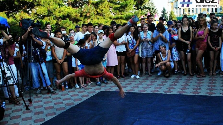 (foto, video) Ziua internațională a tineretului, celebrată cu fast la Varnița! Tinerii s-au distrat alături de cele mai tari trupe ale momentului
