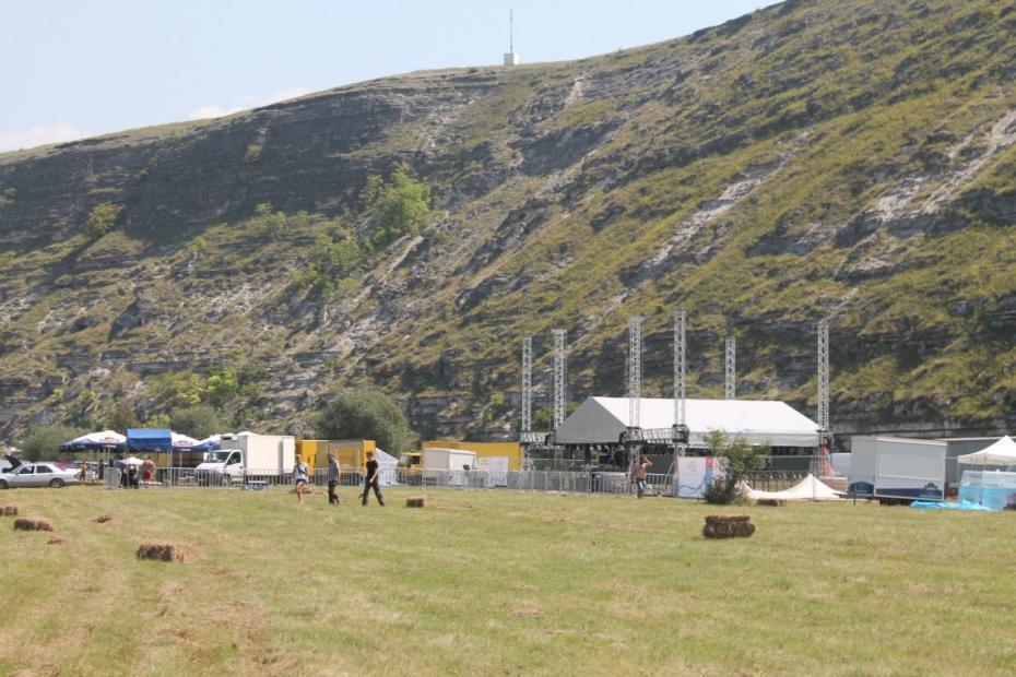 (galerie foto) Gustar, în pragul deschiderii. Cum arată locația cu 24 de ore înainte de începutul festivalului