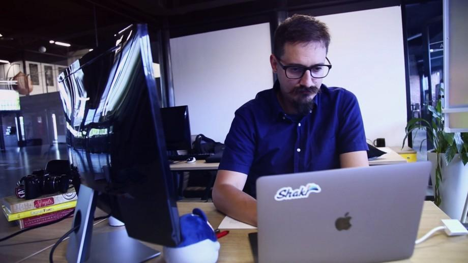 """Aleg Cariera IT. Igor Putina: """"Fiind și designer, și developer, pot să dezvolt aplicații mai bune, pentru că pot să creez o experiență mai plină."""""""