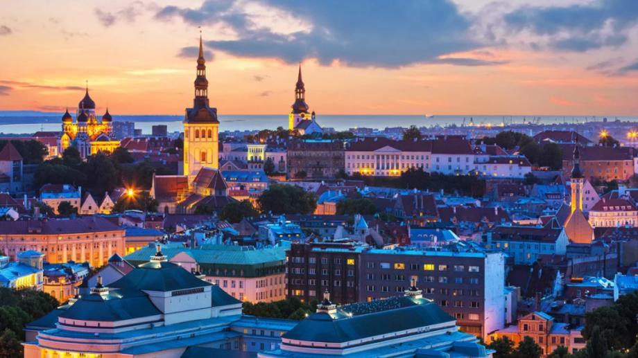 Tinerii masteranzi ai specialităților pedagogice pot studia un semestru în Estonia cu o bursă de 2000 euro