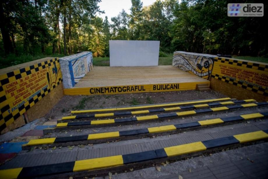 Vino să vizionezi un film de Oscar în aer liber și ajută-i pe absolvenții Wave Week Moldova să salveze o familie nevoiașă