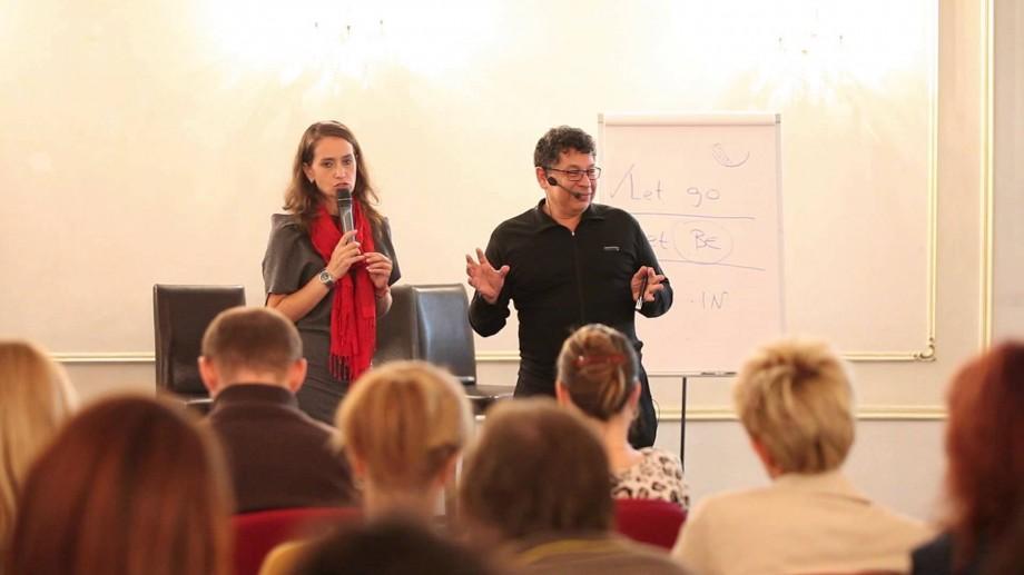 (video) Vino la cursul de dezvoltare personală Essence cu dr. Menis Yousry și află cum poți obține încredere și respect de sine
