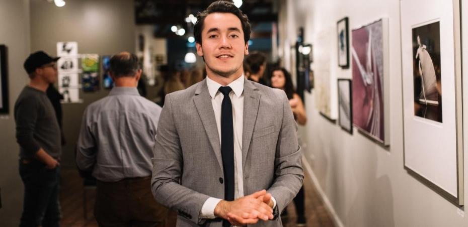 """Pictorul basarabean Constantin Botezat și-a expus lucrările în Salt Lake, SUA. """"Este un pas important în cariera mea"""""""