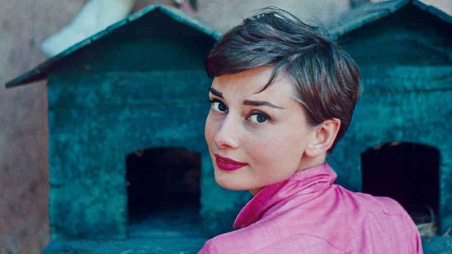 (foto) Colecția personală a lui Audrey Hepburn scoasă la licitație în Londra. Iată ce curpinde