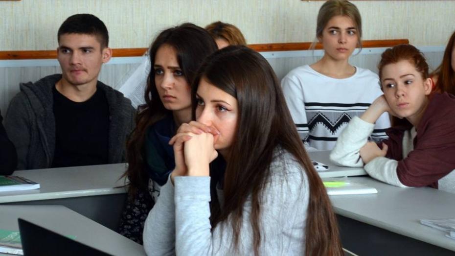 (video) La școală ca la pușcărie – un liceu din Capitală le interzice elevilor să iasă în curte. Iată ce spun elevii și administrația școlii