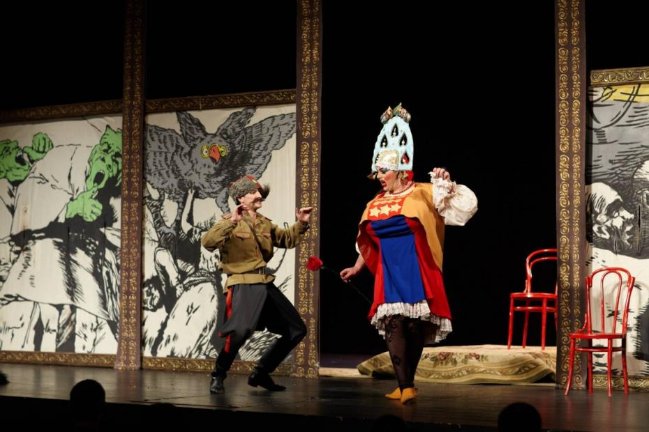 Două comedii pe care trebuie să le vedeți în acest weekend la Teatrul Național Eugene Ionesco