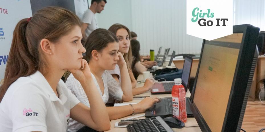 Fii parte a echipei GirlsGoIT în localitatea ta și beneficiază de șansa de a învăța cum funcționează tehnologiile de ultimă generație