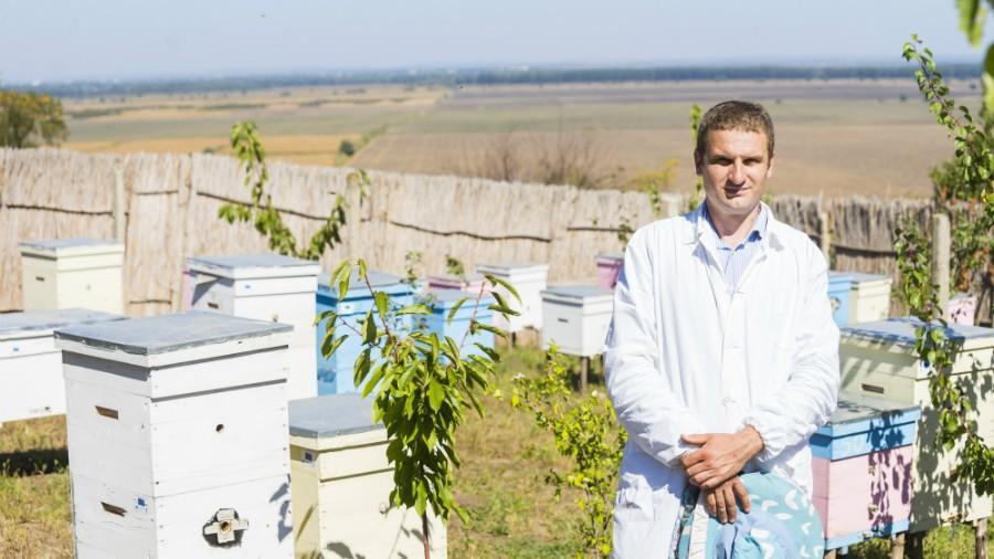 (foto) Istorie de succes: Un tânăr din Ștefan Vodă și-a făcut o afacere profitabilă pe banii Uniunii Europene