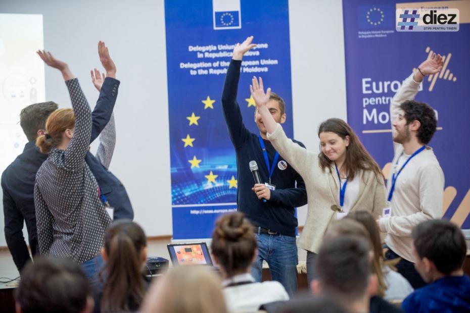 Interacționează cu tineri din Europa și reprezintă Moldova la nivelul UE. Cum poți deveni un tânăr ambasador european