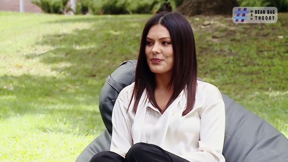 """(video) The Bean Bag Theory. Alina Zotea: """"Mihai Ghimpu mă va ajuta să câștig milionul"""""""
