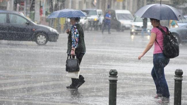 Avertizare meteorologică: Se anunță cod galben de vijelii și ploi pe întreg teritoriul țării