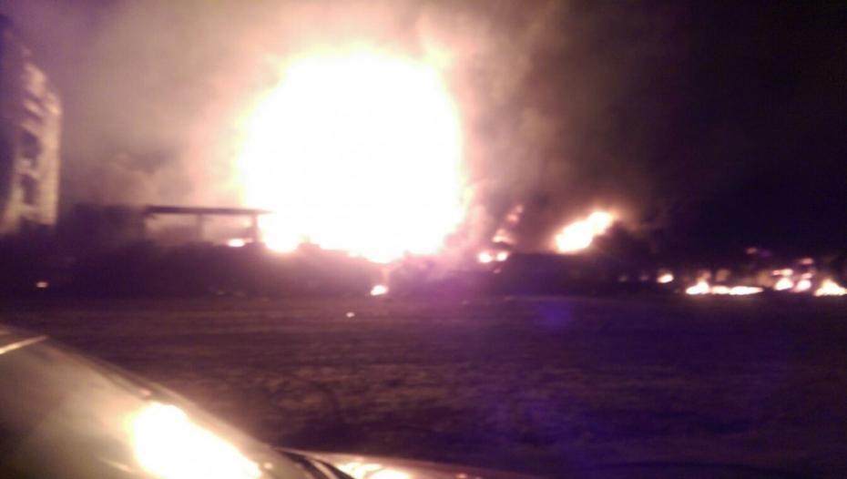 (foto, video) Incendiu la o firmă de vopsele din România. Cinci persoane au fost rănite, iar alte 370 au fost evacuate
