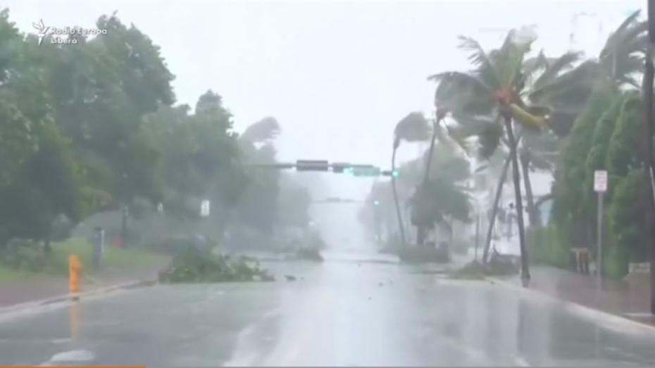 (video) Milioane de oameni s-au ascuns în adăposturi speciale în Florida, așteptând să treacă uraganul Irma. Acesta a făcut deja victime