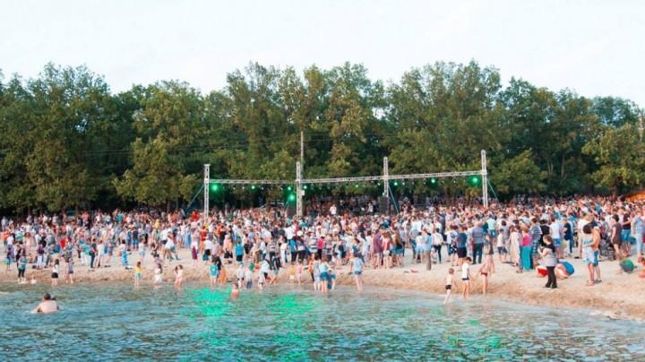 Ultima zi de plajă la Orhei se va încheia pe ritmurile muzicii lui Guzz, Irina Rimeș și Latino Party