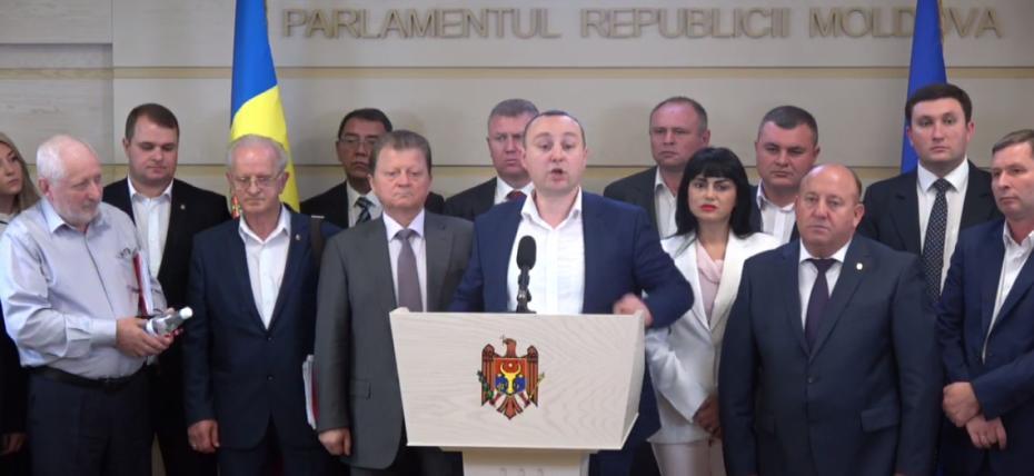 (video) După PLDM, și socialiștii au părăsit sala Parlamentului. Ce motiv au invocat deputații