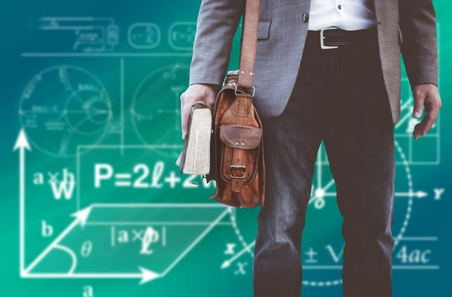 Revoluția tehnologică sau cum va arăta profesorul viitorului