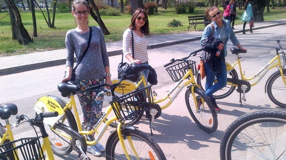 """Cei mai buni studenți de la Universitatea de Stat """"Alecu Russo"""" din Bălți vor primi biciclete"""