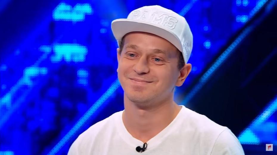 """(video) Un profesor de limba engleză din Chișinău a cucerit jurații la X-Factor! """"Bine, domn' profesor"""""""