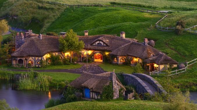 Teleportați-vă în lumea lui Hobbit. Cum arată faimoasele căsuțe în realitate