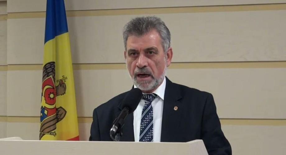 (video) Proiectul de lege privind introducerea în Constituţie a limbii române, trimis spre avizare la CC. Cine l-a semnat