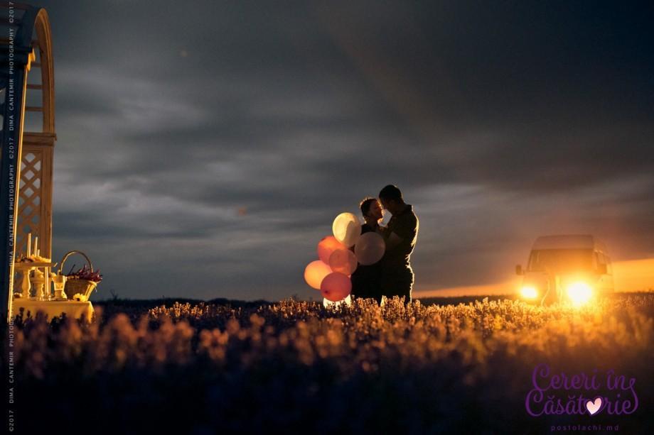 (foto) Într-un lan de levănțică sau în balonul cu aer cald. Care sunt cele mai memorabile cereri în căsătorie organizate de Cristina Postolachi