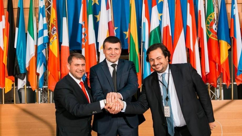 (foto) Cu acordul instanței! Condamnat pentru spălare de bani și escrocherie, Ilan Shor a mers în vizită la Parlamentul European