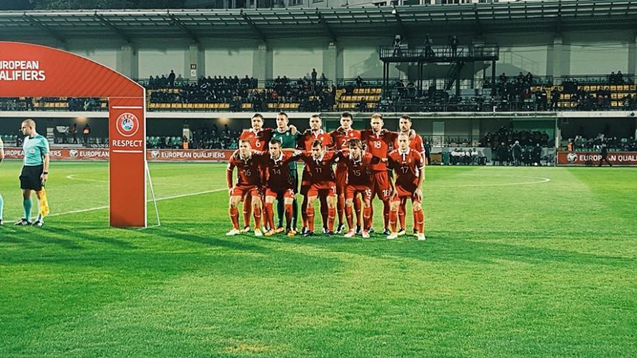 După câteva ocazii de a marca în poarta lui Heinz Lindner, tricolorii au suferit o înfrângere pe teren propriu