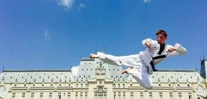 A adus medalii de aur de la Campionate Mondiale. Cunoaște tânărul sportiv care a făcut Moldova cunoscută până în Coreea de Sud
