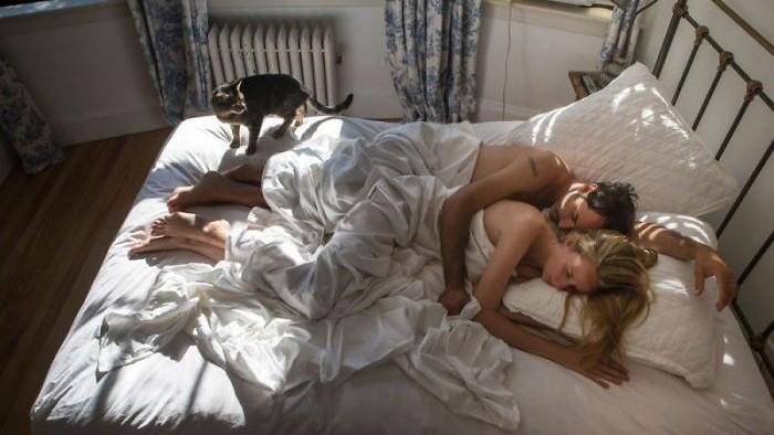 (foto) Imagini care dezvăluie sinele intim. Cum arată persoanele în dormitoarele lor