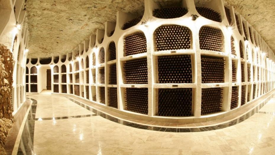 """În acest an Marele Premiu în domeniul vitivinicol va fi oferit Combinatului de Vinuri """"Cricova"""""""