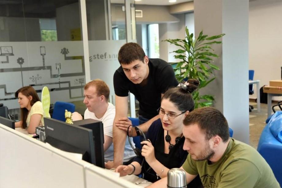 Premieră pe piața de outscourcing din Moldova: Colaborare între companiile Stefanini și Code Factory