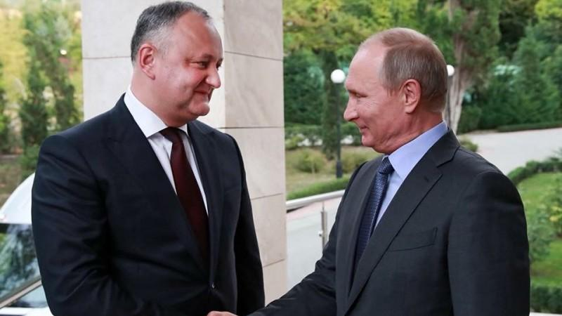 (video) Promisiunea lui Dodon către Putin: Nu voi semna nicio lege antirusească, chiar dacă Parlamentul va vota repetat