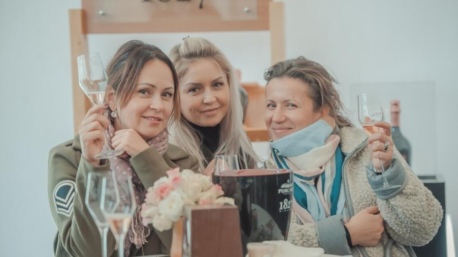"""(galerie foto) Vinăria Purcari și-a prezentat noua gamă de vinuri spumante super premium – """"Cuvée de Purcari"""""""