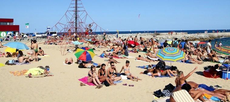 """Vremea în luna octombrie a luat-o razna. Francezii au parte de temperaturi de peste 30 °C, iar irlandezii se pregătesc să țină piept uraganului """"Ophelia"""""""