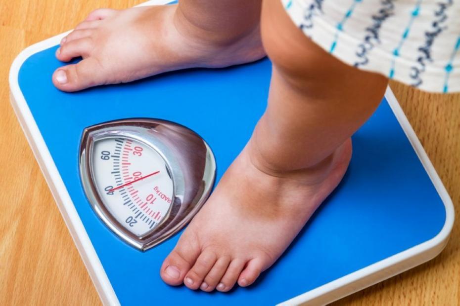 Studiu OMS: Numărul copiilor obezi la nivel mondial este în creștere. Moldova are cei mai puţini copii obezi din Europa
