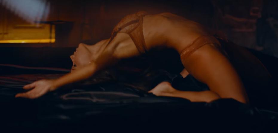 """(video) Așteptările au ajuns """"la linia de finiș"""". Videoclipul oficial al piesei """"Beretta"""" de Carla's Dreams a fost lansat"""