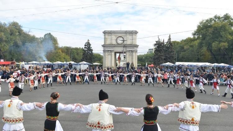Ce program a pregătit Primăria de Ziua Orașului. În PMAN, va cânta Ștefan Bănică Junior