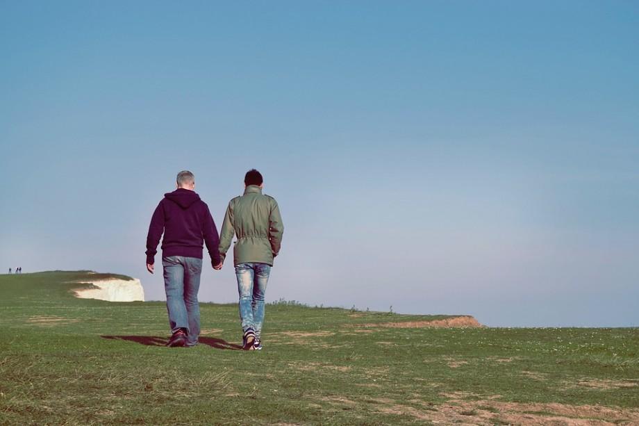 Doi bărbați din Berlin au devenit primul cuplu gay care a adoptat un copil în Germania