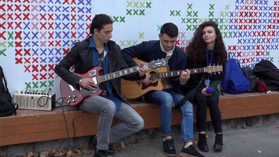 (video) Unde-s tinerii. De la pop lejer până la metal. Cunoaște povestea din spatele tinerilor care cântă în stradă